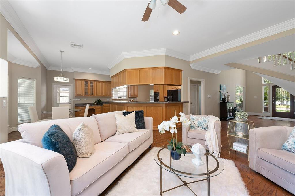 Richmond TX Homes for Sale - Reland Homes Group - Living room